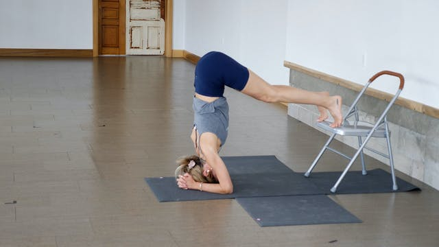 Pose Breakdown: Headstand with Kacee