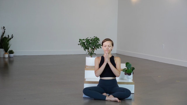 Guided Meditation: Drop into Presence with Giustina