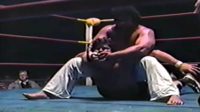 Dino Bravo vs King Tonga