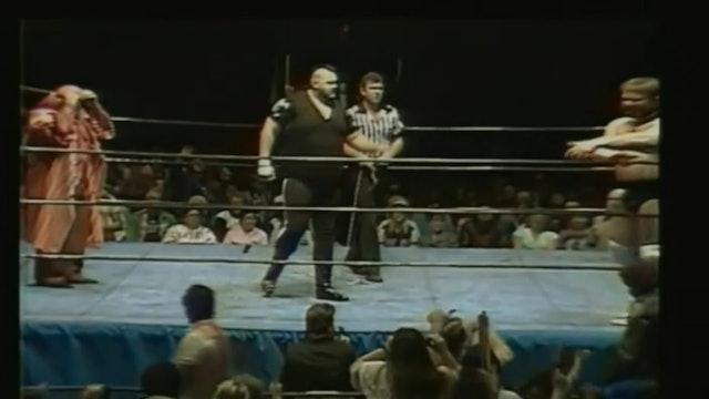 One Man Gang vs. Jim Duggan ( Chain Match )