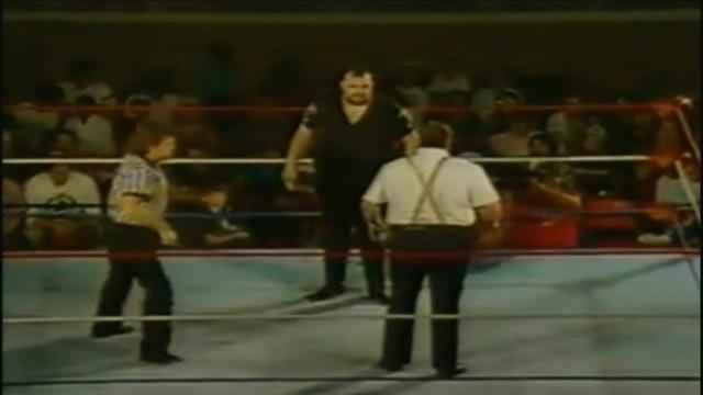 One Man Gang vs. Big Bubba ( UWF Title )