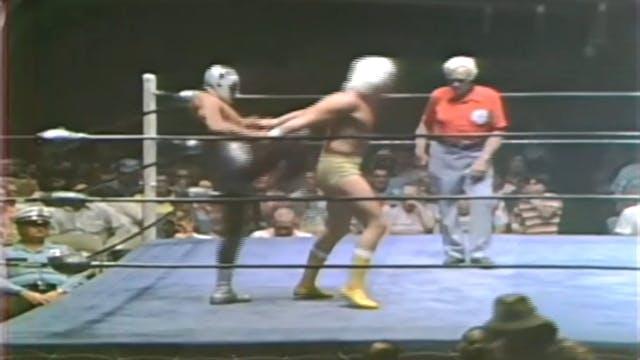 Mil Mascaras vs. Gino Hernandez