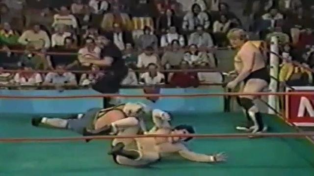 Dino Bravo vs Sailor White