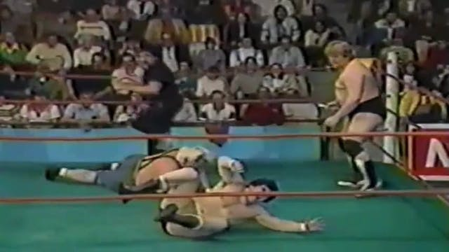 Dino Bravo vs Sailor White