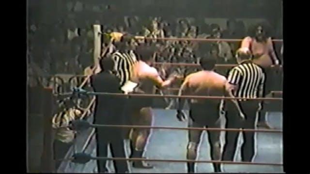 Gino Britto & Tony Parizi vs. Wild Sa...