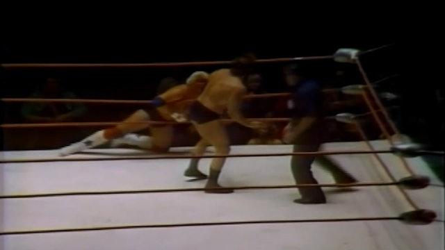 Dusty Rhodes vs. Mark Lewin ( Brass Knuckles)