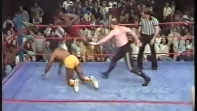 Butch Reed & Rufus R Jones VS Mike An...