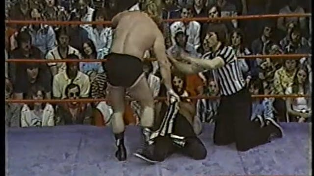 Greg Valentine VS Gil Guerrero