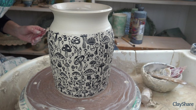 Underglaze-Thrown-05-Shaping-Form
