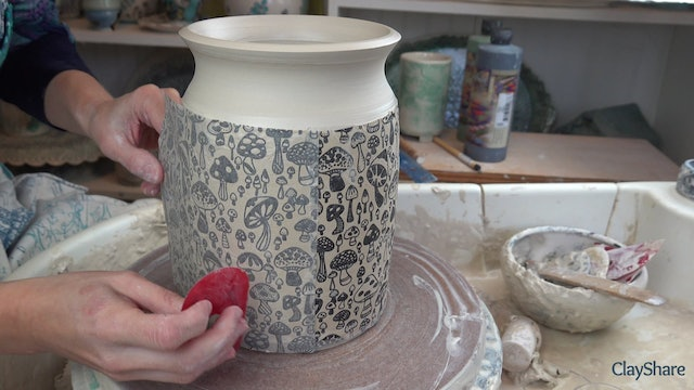 Underglaze-Thrown-04-Apply-Transfer
