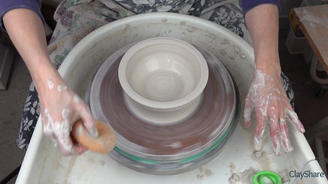 Thrown-Bowl-Mold-02-Throwing