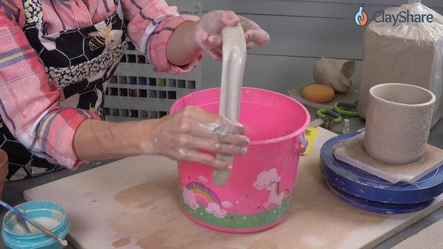 Handbuilt-Texture-Mug--06-Pull-Handle