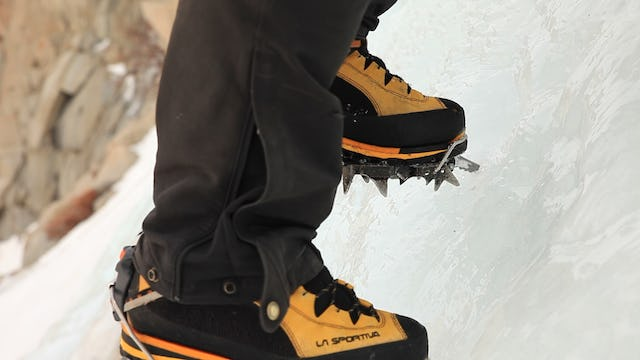 Ice Climbing: 6. Mono-Point Crampons vs. Dual-Point Crampons