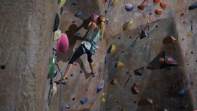 Gym Lead Climbing: 7. Climbing Overhangs