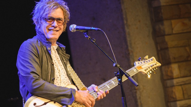 Tom Petersson of Cheap Trick Demonstrates Gretsch White Falcon