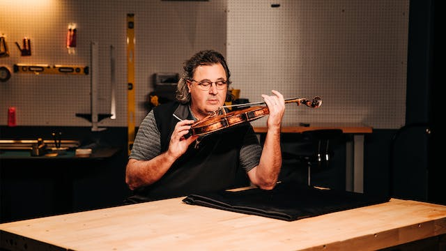 Vince Gill Donates Roy Acuff's Fiddle...