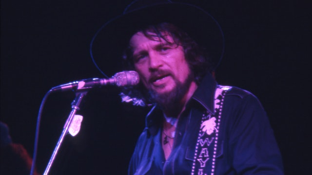 Memories of Waylon Jennings • Live at the Hall