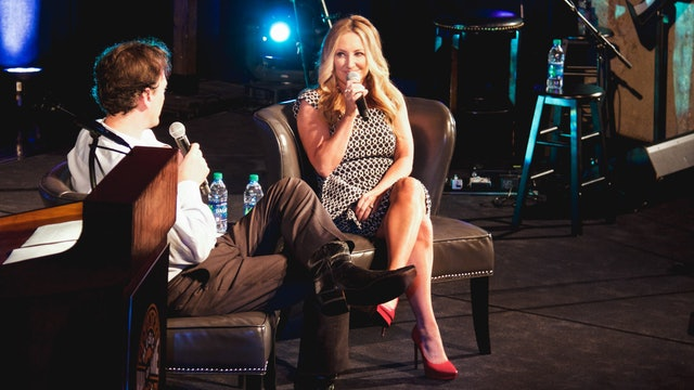 Lee Ann Womack • Songs and Interview, 2017