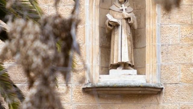 100 Words - YR1 March 14 - A FAITHFUL PRIEST