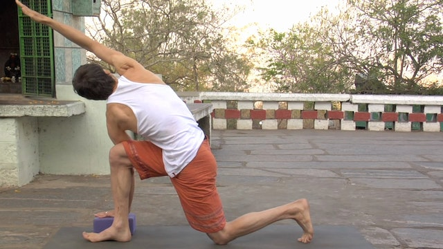 Parivrtta Parsvakonasana modification (Revolved Extended Side Angle Posture)