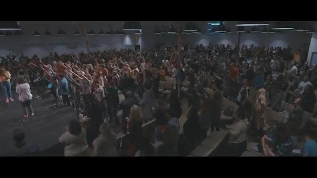 Raise A Hallelujah (Spontaneous) - UPPERROOM