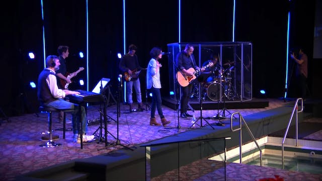 Catch The Fire Worship with Benjamin ...