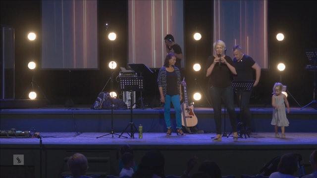 Catch the Fire Worship with Benjamin Jackson and Rachel Beni (Sunday, 27 Aug 2017)