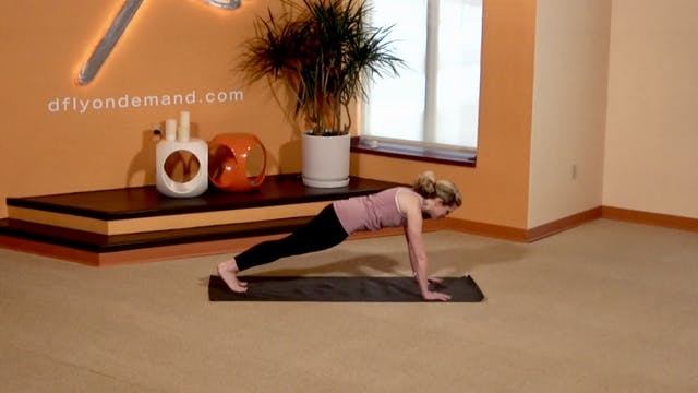 10 Min BarreAmped Core with Lindsey (...