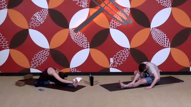 45 min Flow & Yin w/ Laura (Livestream 4/1/21)