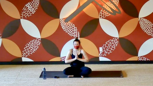 45 Minute Flow and Yin w/ Laura (Live...