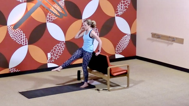 45 Min Barre Bootcamp w/Lindsey (Livestream 01/23/21) Starts @the 14:22 Min Mark