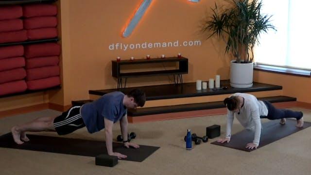 45 Minute Yoga Up w/ Laura (Livestrea...