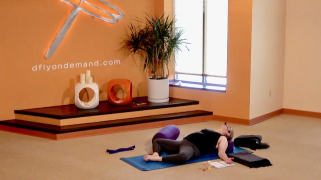 45 Minute Yin w/ Carrie (Livestream f...