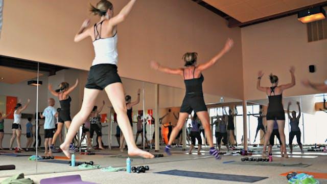 45 Minute Yoga Up® w/ Nastya (Livestr...