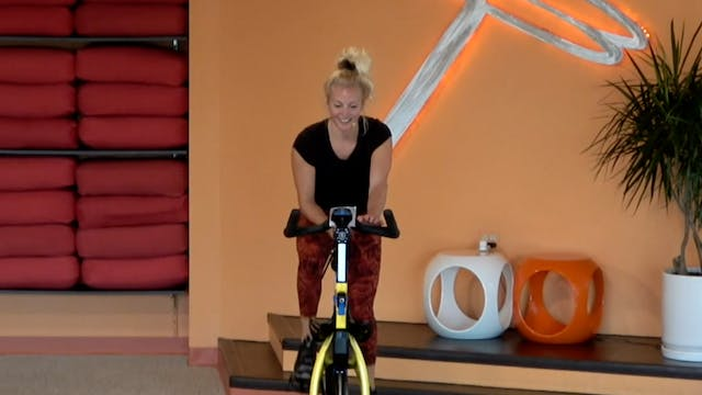 30 Minute Flyght (Indoor Cycling) wit...