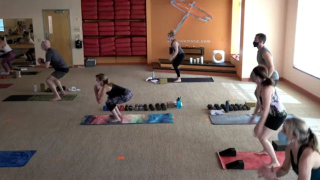 45 Minute Yoga Up w/ Shawn (Livestrea...
