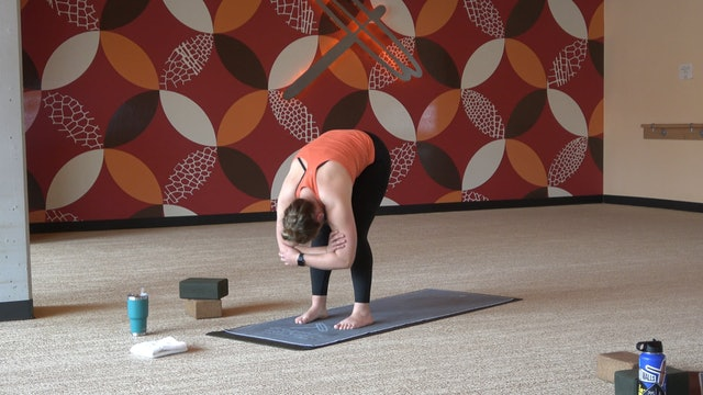 20 Minute Root Chakra Flow with Emily