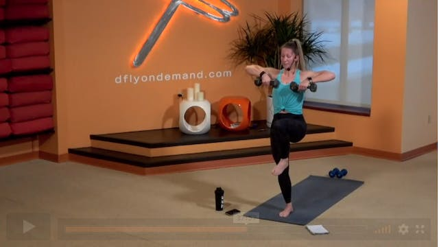 60 Minute Yoga Up w/ Carrie (Livestre...