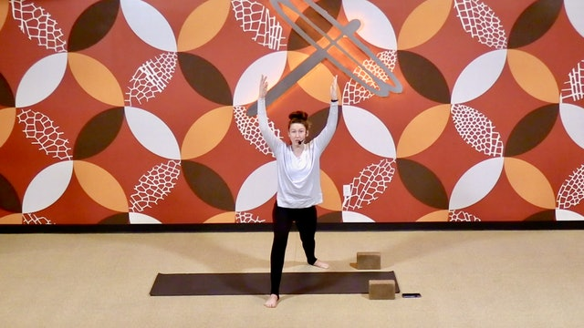 30 Minute Beginner Yoga with Laura from 01/08/21