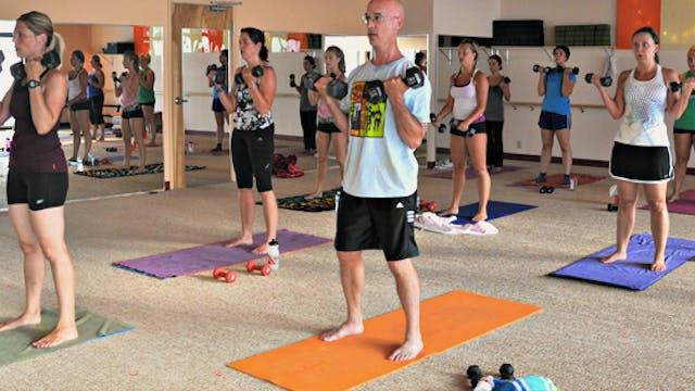LIVE Yoga Up w/ Lauren, Monday 10/26/...