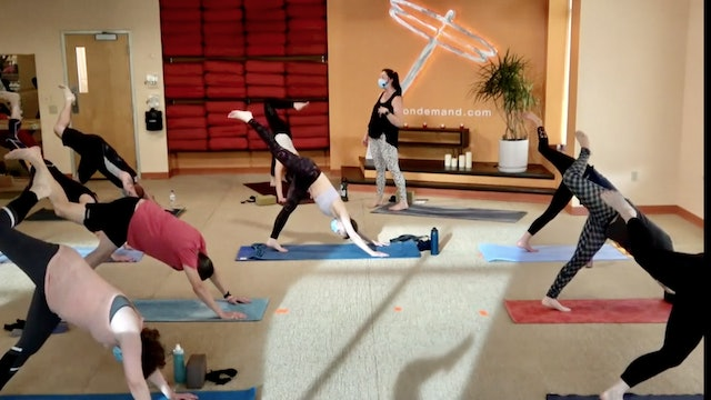 45 Minute Core Flow w/ Cassie (Livestream from 3/18/21)