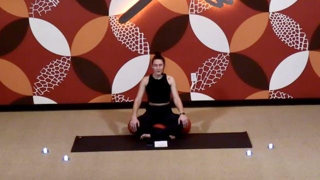 20 minute Yin w/ Laura (Livestream fr...
