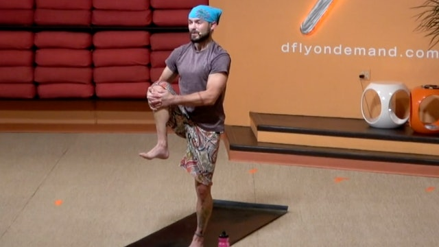 45 Minute Flow with Ian (Focus on Warrior 1 and single leg balancing poses)