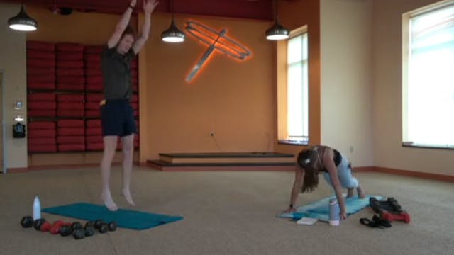 45 Minute Yoga Up® with Laura (07/27/...