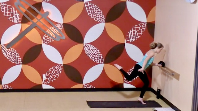 45 Min Barre Bootcamp w/Lindsey (Livestream 1/16/21) Starts @the 16:55 Min Mark