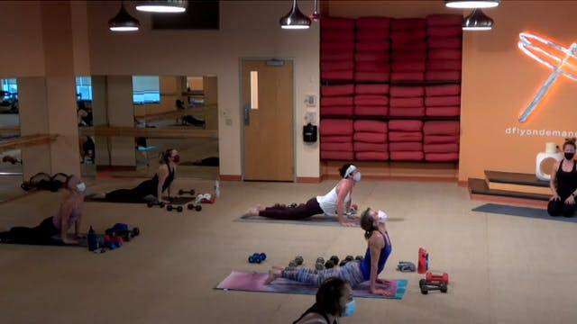 45 Minute Yoga Up w/ Carrie (Livestre...