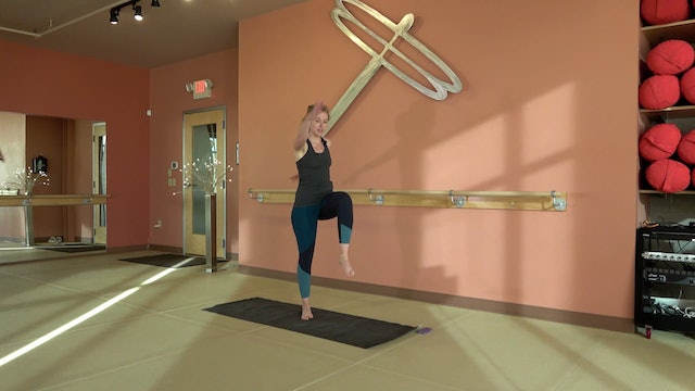 40 Minute BarreAmped Cardio Bootcamp with Lindsey