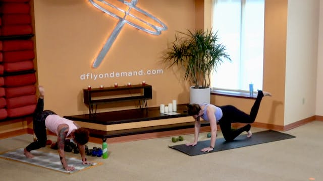45 Minute Yoga Up® with Laura (Livest...