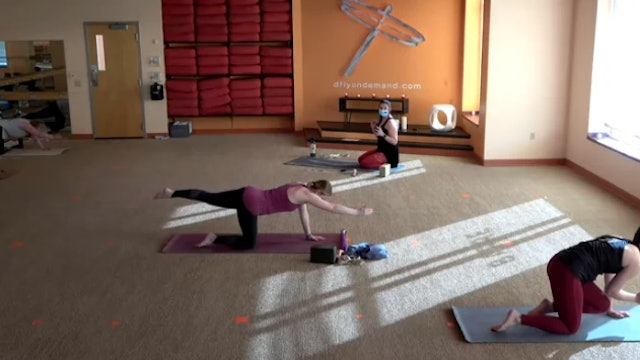 60 Minute Core Flow w/ Colleen (Livestream from 9/9/21)