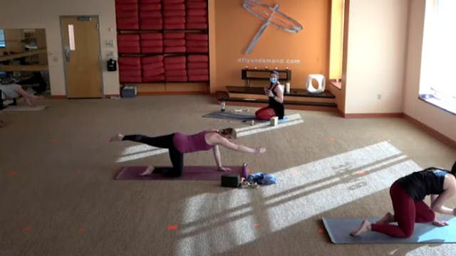 60 Minute Core Flow w/ Colleen (Lives...